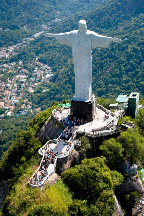 Aerial_view_of_the_Statue_of_Christ_the_