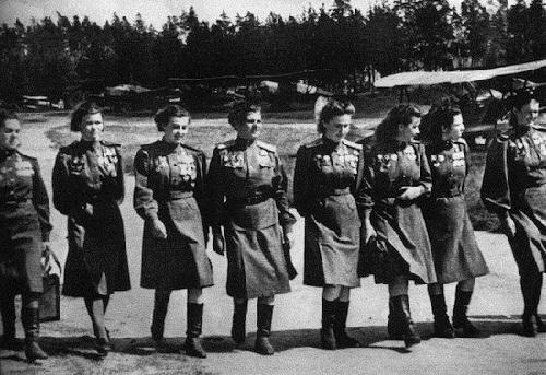 Night-Witches-a-bomber-regiment-of-the-S